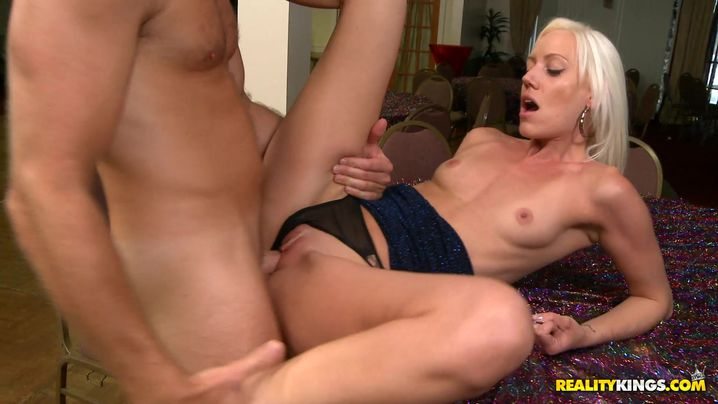 Sultry blond floosy Kacey Villainess got her tight bum fingered while she was slowly riding fuckmate's dong