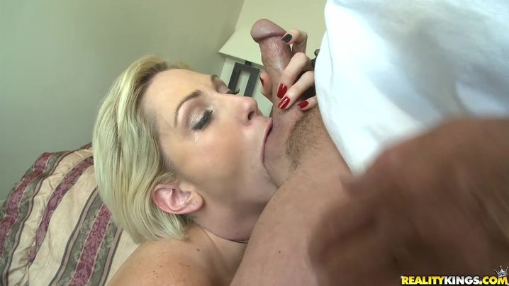 Sex appeal mature blonde doxy Kasey Grant asked stranger to fuck her tight muff until she experiences an agonorgasmos